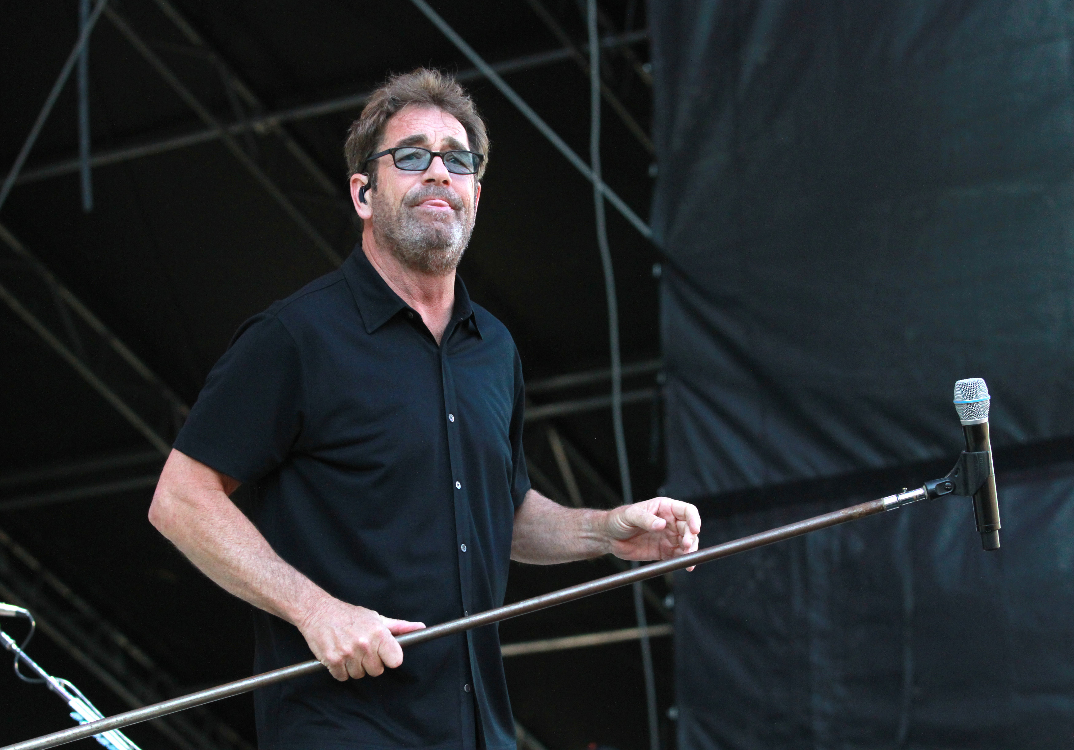 huey lewis cancels 2018 tour dates due to hearing loss rolling stone