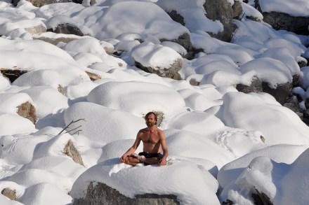 Wim Hof Method: The Iceman on Key to Healthy Life – Rolling