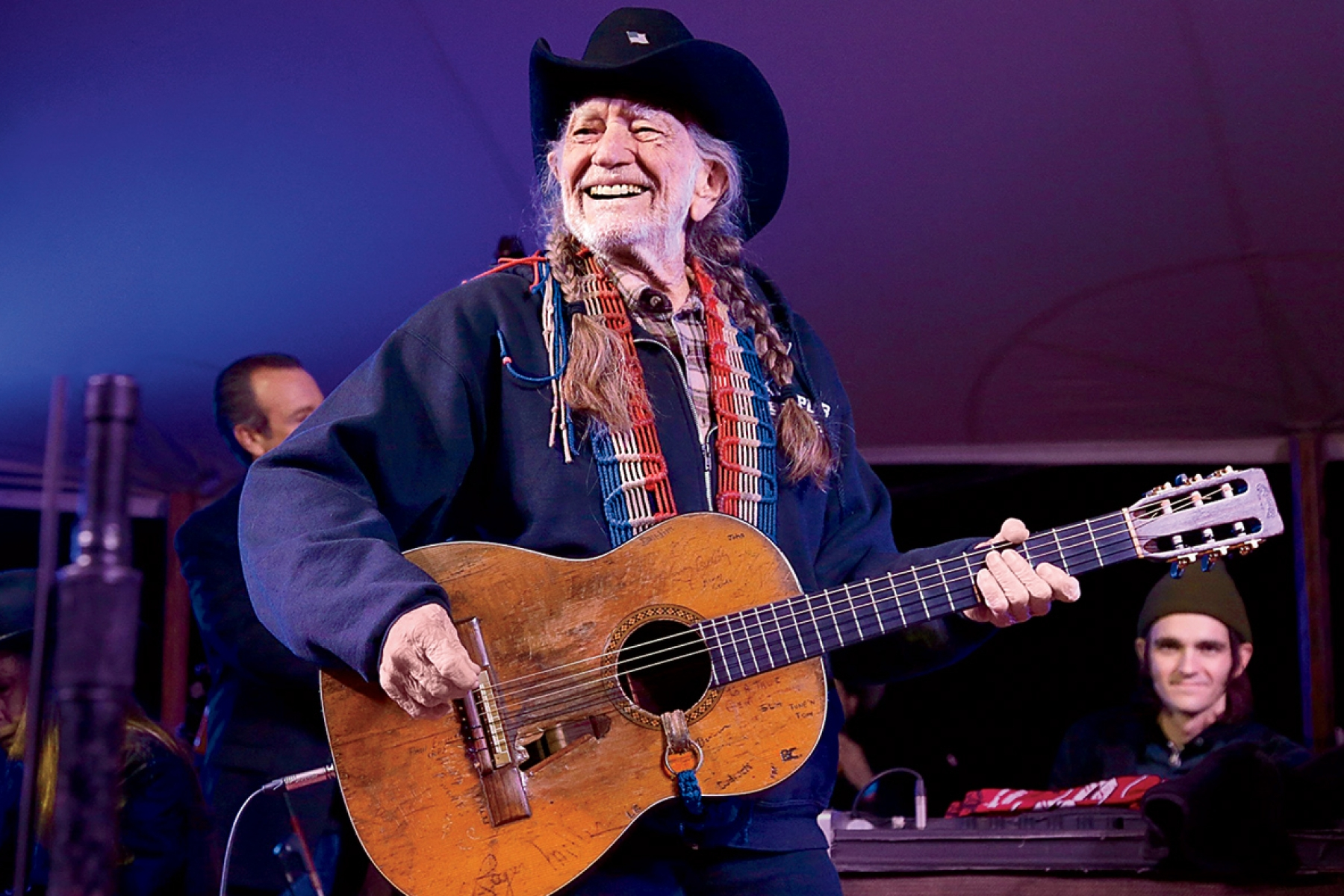 Willie Nelson Turns 85: Still Smoking, Touring, Writing Songs - Rolling  Stone