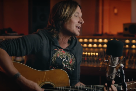 See Keith Urban's Acoustic Take on 'Coming Home'