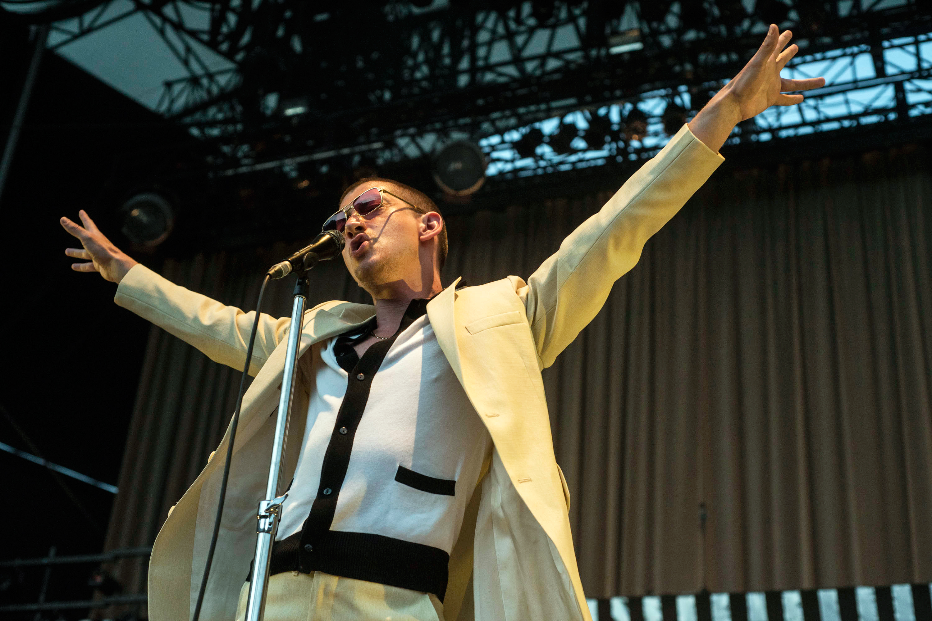 Watch Arctic Monkeys' Spot-On Strokes Cover of 'Is This It?'