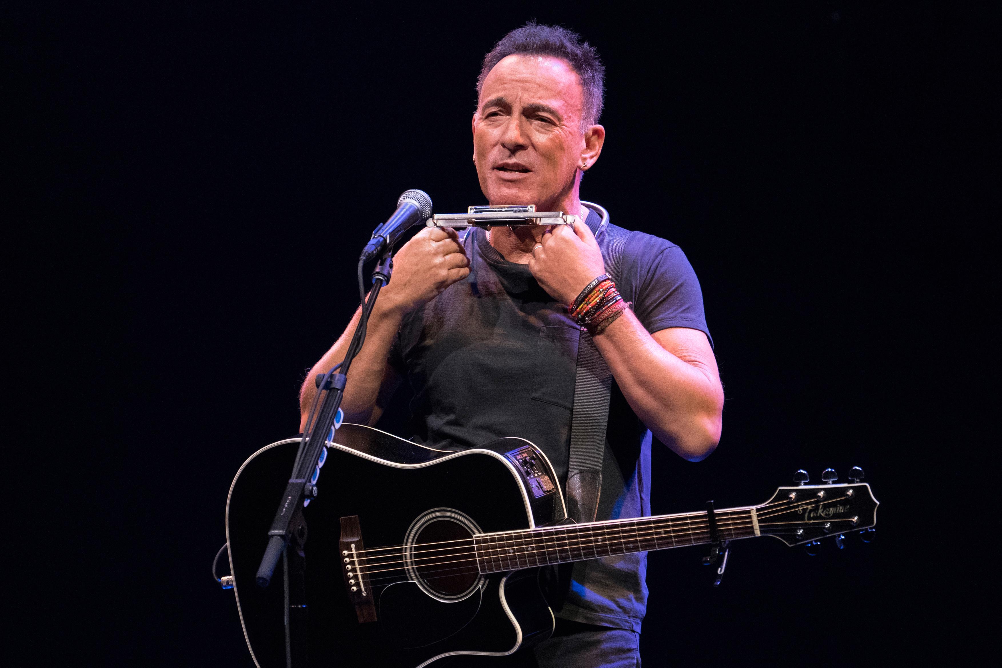 rollingstone.com - Daniel Kreps - 'Springsteen on Broadway' Heading to Netflix