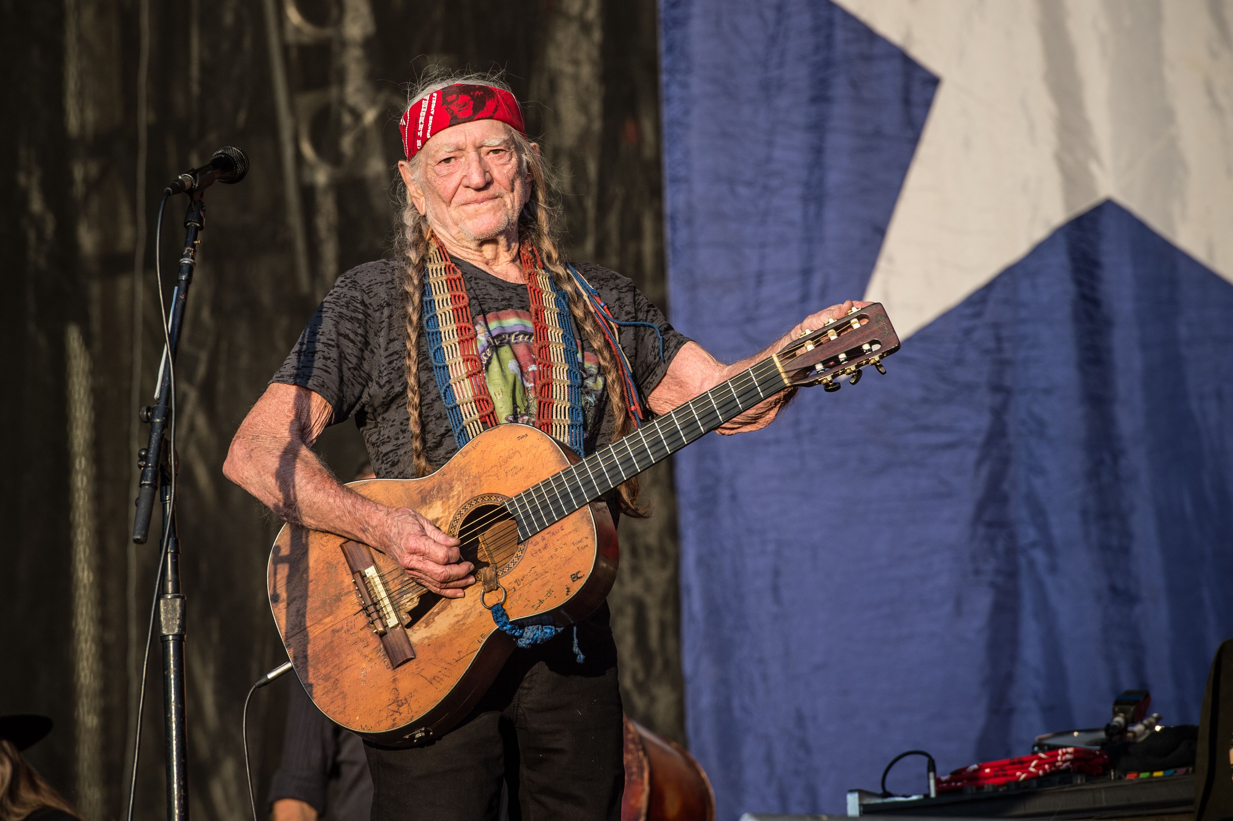 Willie Nelson's 4th of July Picnic: How to Listen