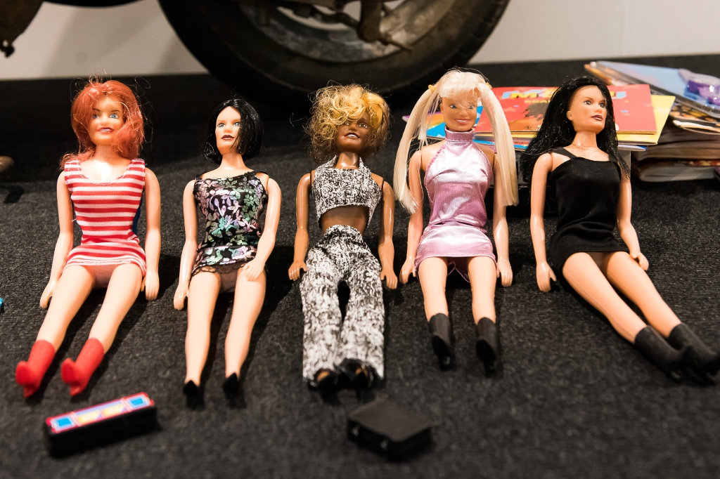 spice girls spice up exhibition