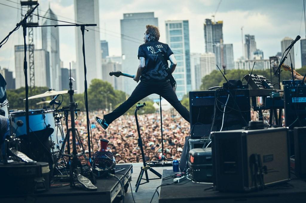 Franz Ferdinand brought 2000s-rock energy to Grant Park.