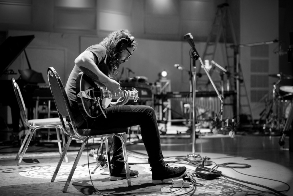 rolling stone dave grohl announces solo project 'play,' 23-minute song and mini-doc ROLLING STONE Dave Grohl Announces Solo Project 'Play,' 23-Minute Song and Mini-Doc 6981a5a3 d43d 4c94 be86 0dfe37863677