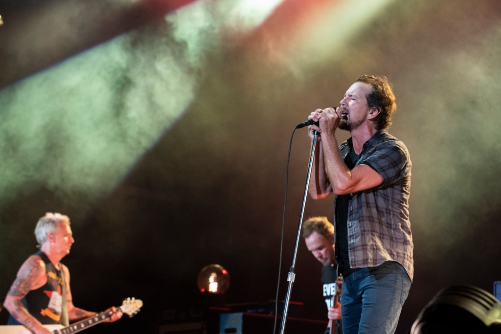 Live Review: Pearl Jam Honor Seattle Roots at 'Home Shows' Kickoff