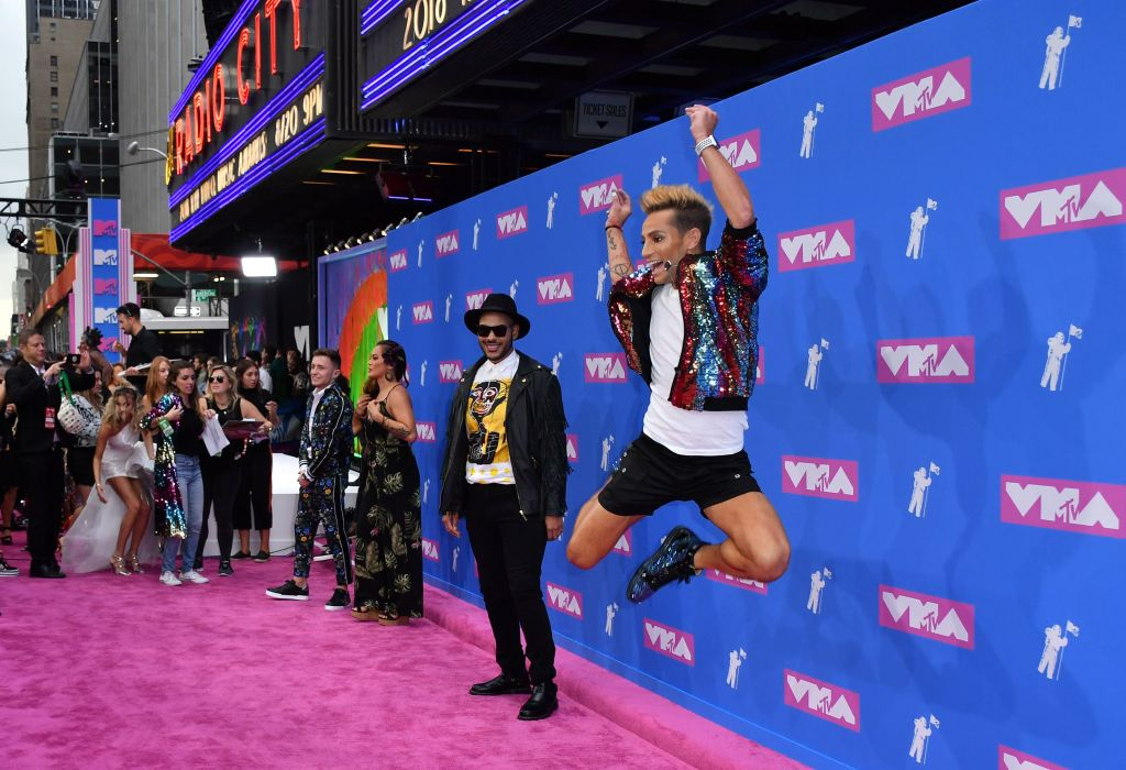 Frankie Grande (right) at the 2018 MTV Video Music Awards. (Photo by ANGELA WEISS / AFP) (Photo credit should read ANGELA WEISS/AFP/Getty Images)