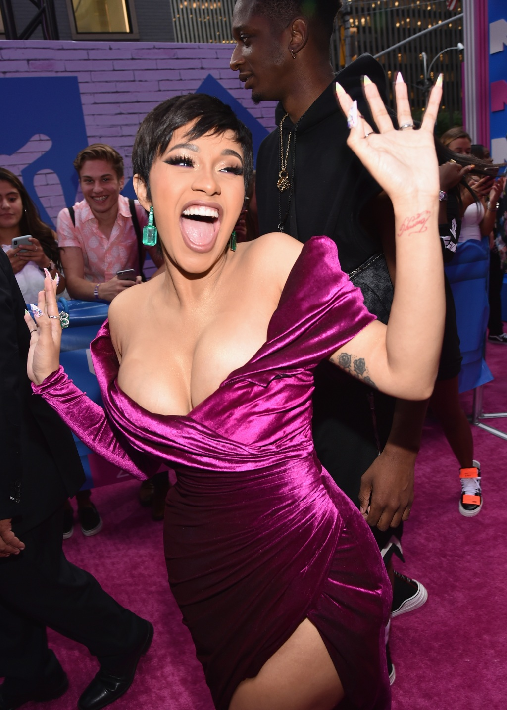 Cardi B will open the 2018 MTV Video Music Awards, this is her first appearance since giving birth this summer.
