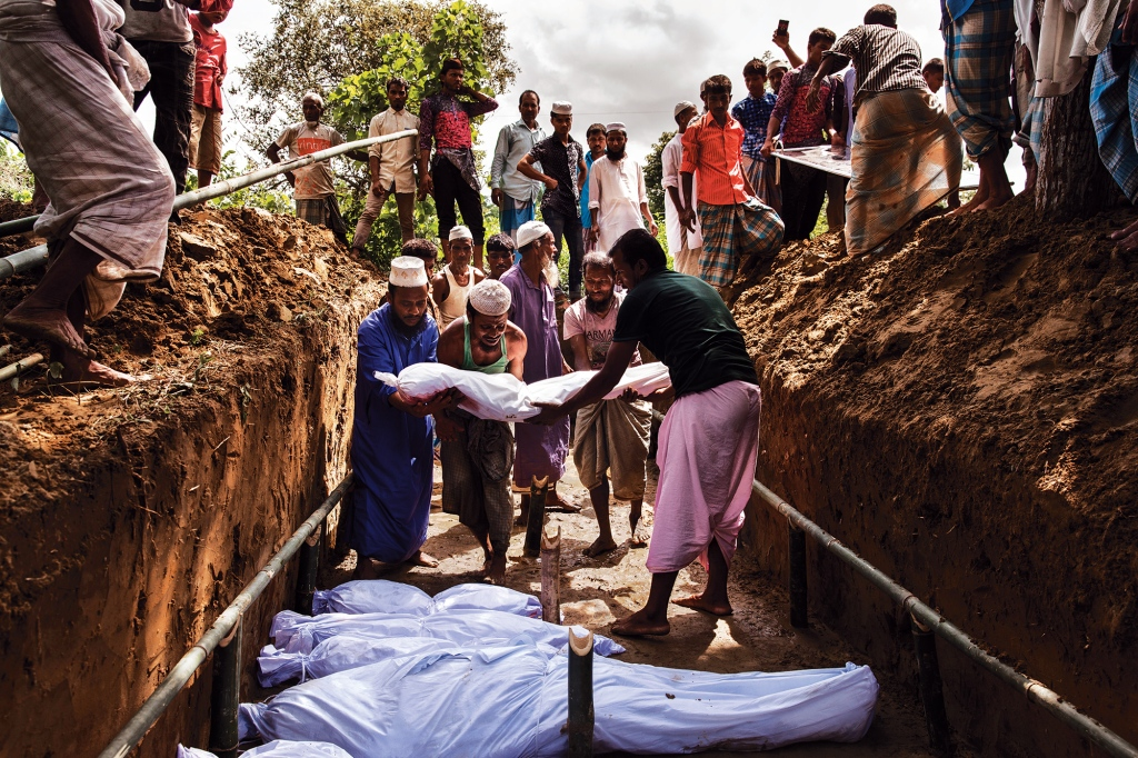 A mass grave for a group of Rohingya who drowned while tying to escape Myanmar. Photo: Patrick Brown/Panos Pictures/UNICEF