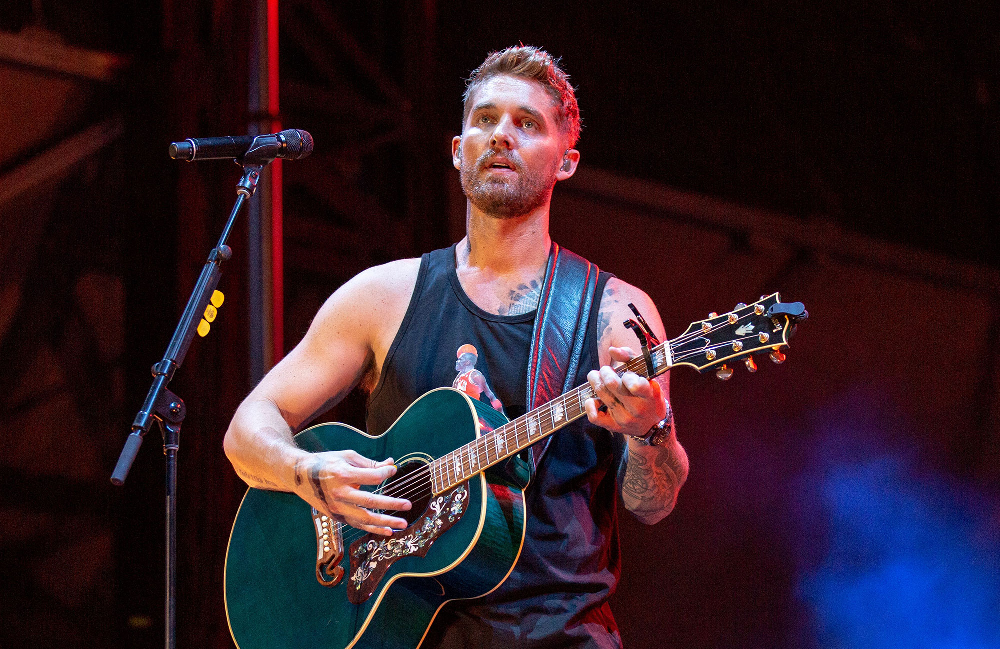 Brett Young Announces Headlining Cmt On Tour Dates Rolling Stone