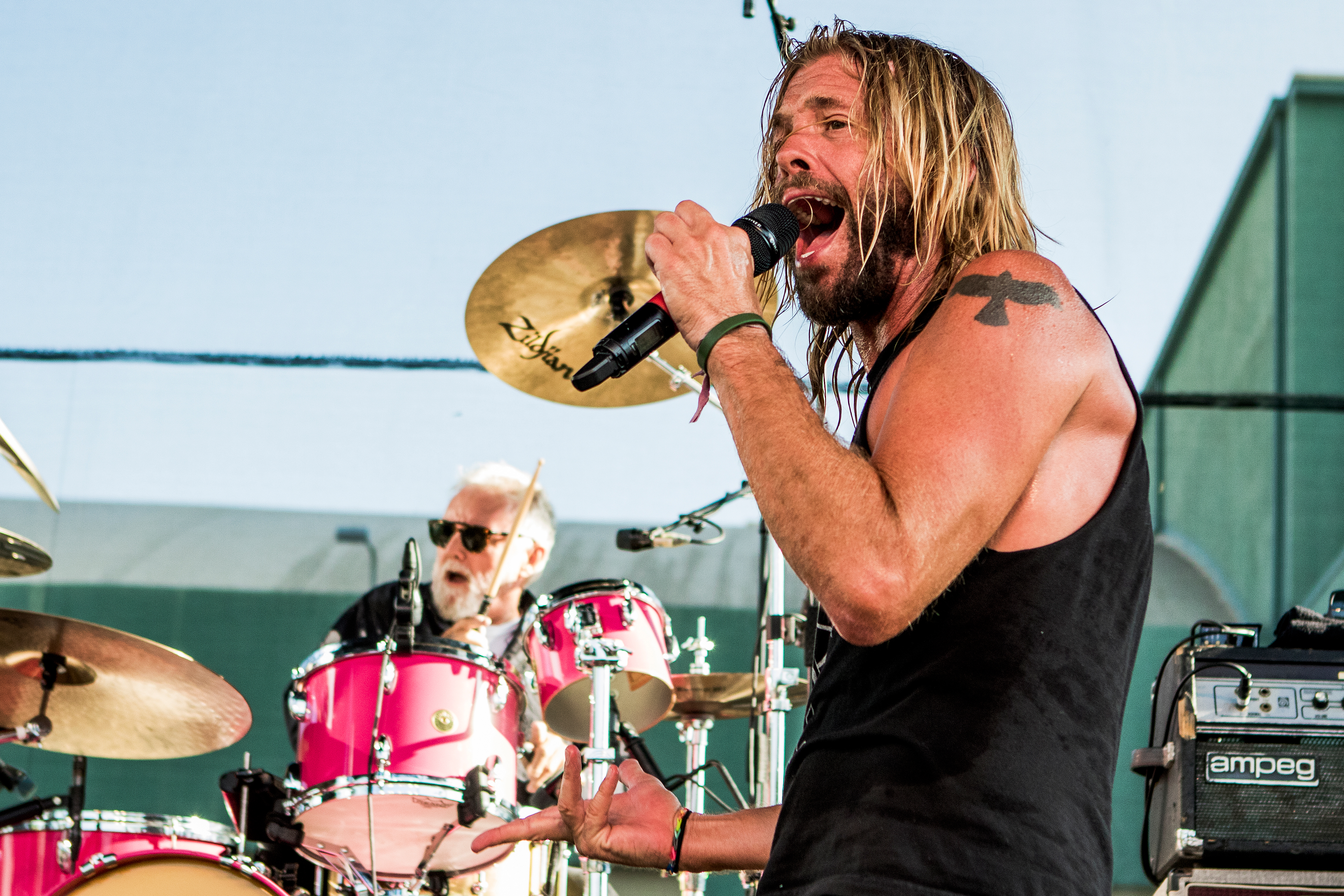 Foo Fighters Members Recruit Queen S Roger Taylor For Live Under