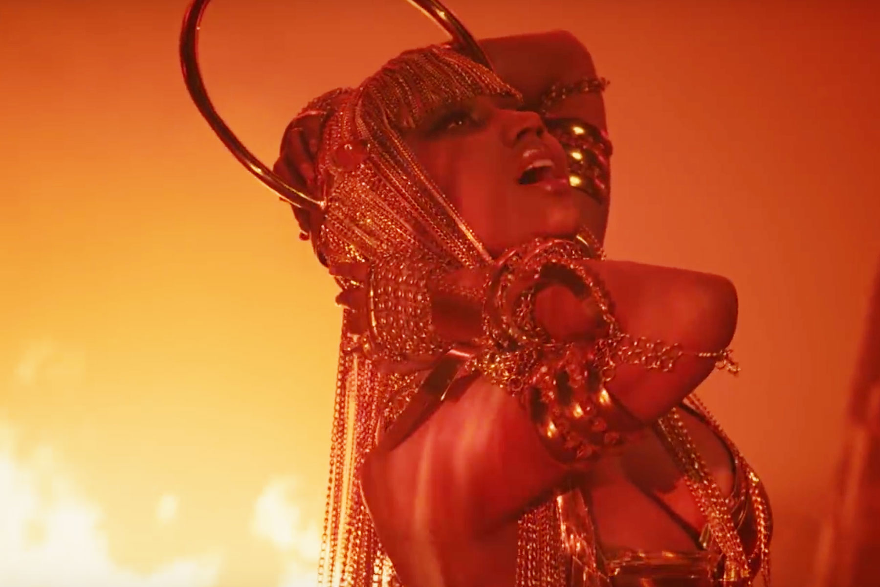 Watch Nicki Minaj's Desert-Set Video for 'Ganja Burn' – Rolling Stone