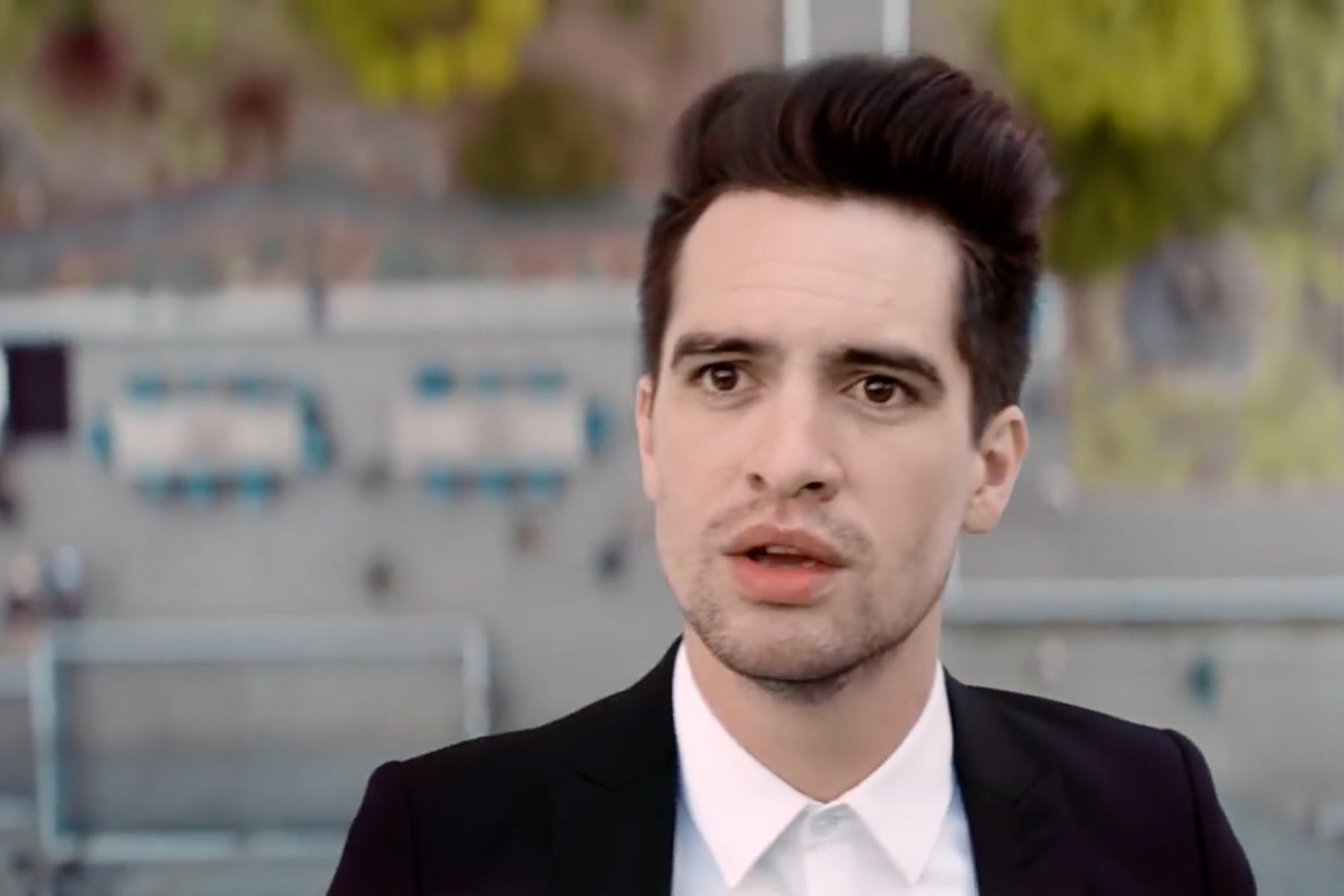 Brendon Urie Walks Up Side of Skyscraper in Panic! at the ...