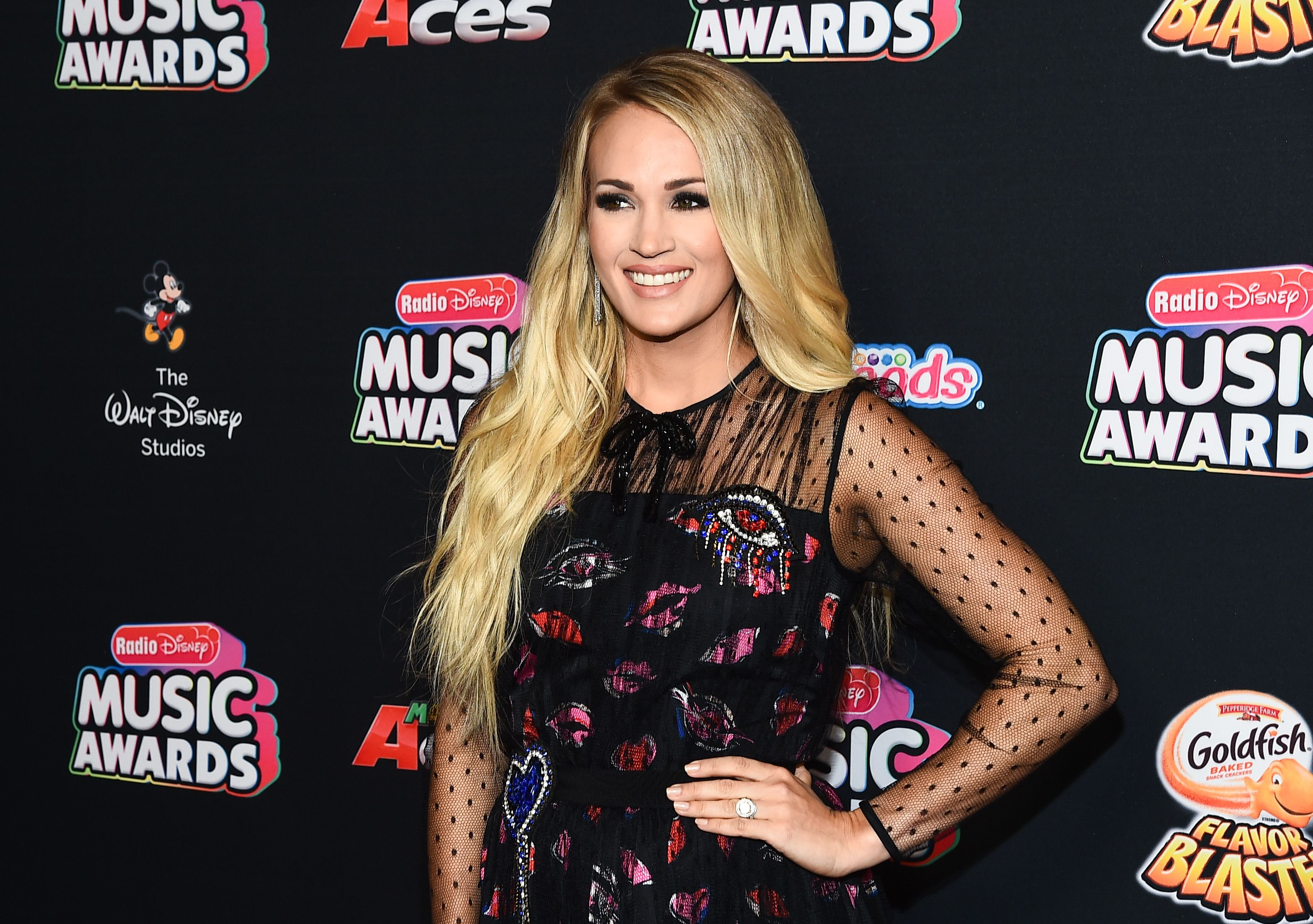 Fappening 2019 Carrie Underwood naked photo 2017