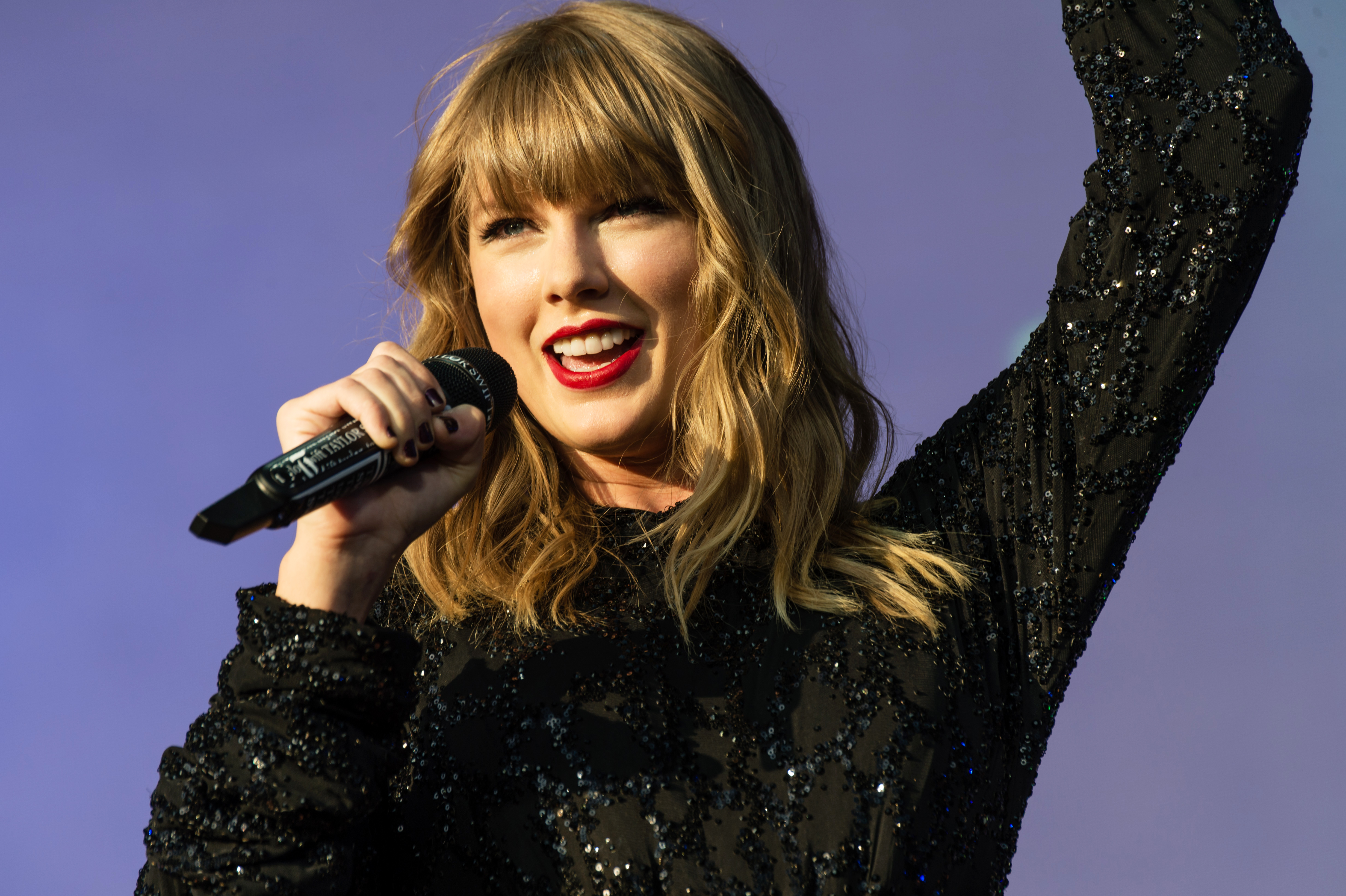 Watch taylor swift break out bouncy throwback jump then fall taylor swiftbbc the biggest weekend festival day 2 swansea uk 27 may stopboris Image collections