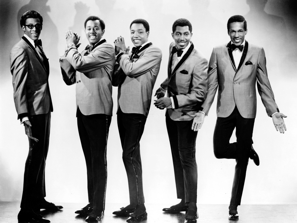 UNSPECIFIED - JANUARY 01: Photo of TEMPTATIONS; Event:, Artist: Temptations., David Ruffin, Otis Williams, Paul Williams, Melvin Franklin and Eddie Kendricks (Photo by Gilles Petard/Redferns)