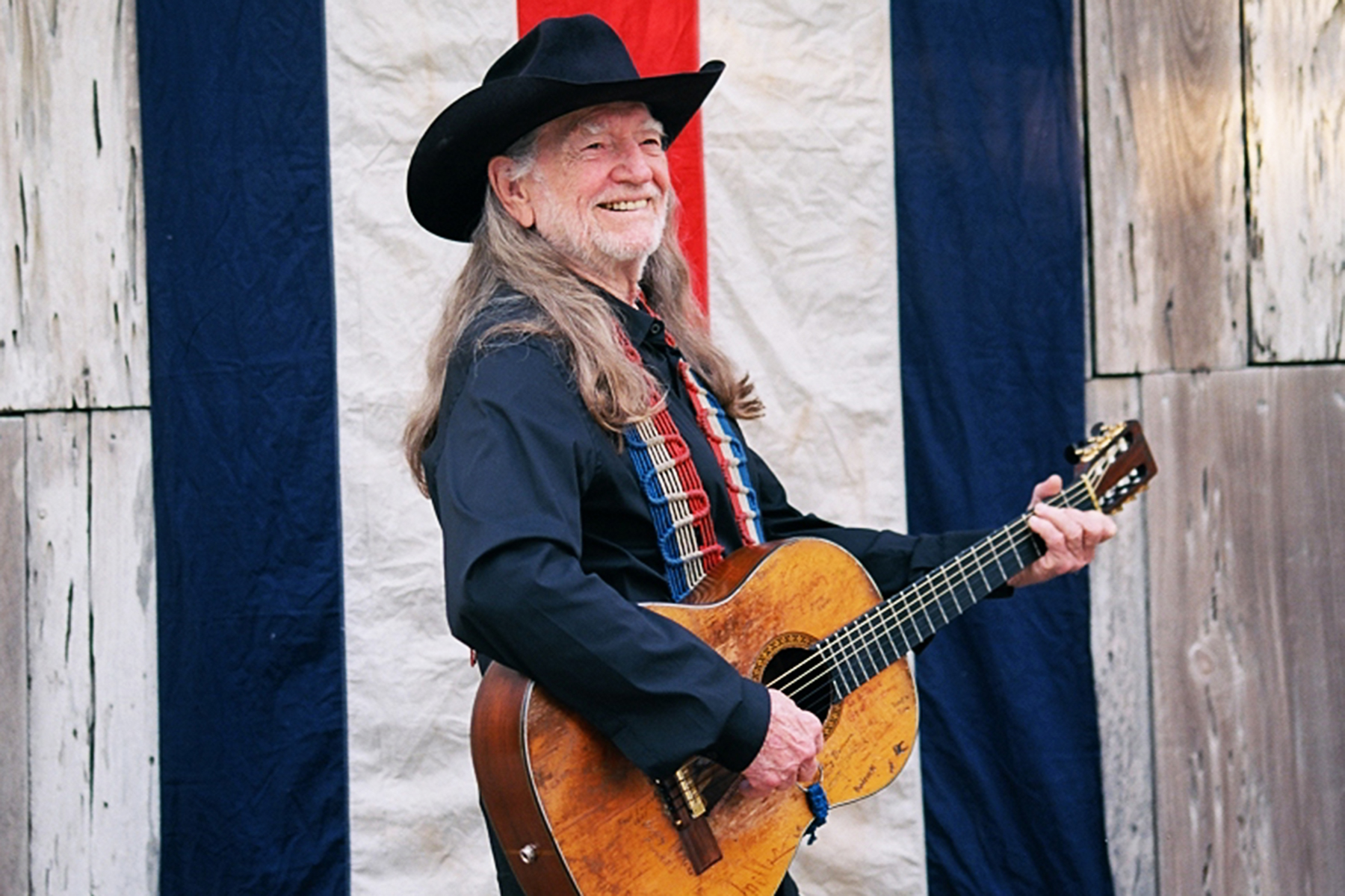 Willie Nelson Talks Beto O'Rourke and Why He Feels Sorry for Ted Cruz