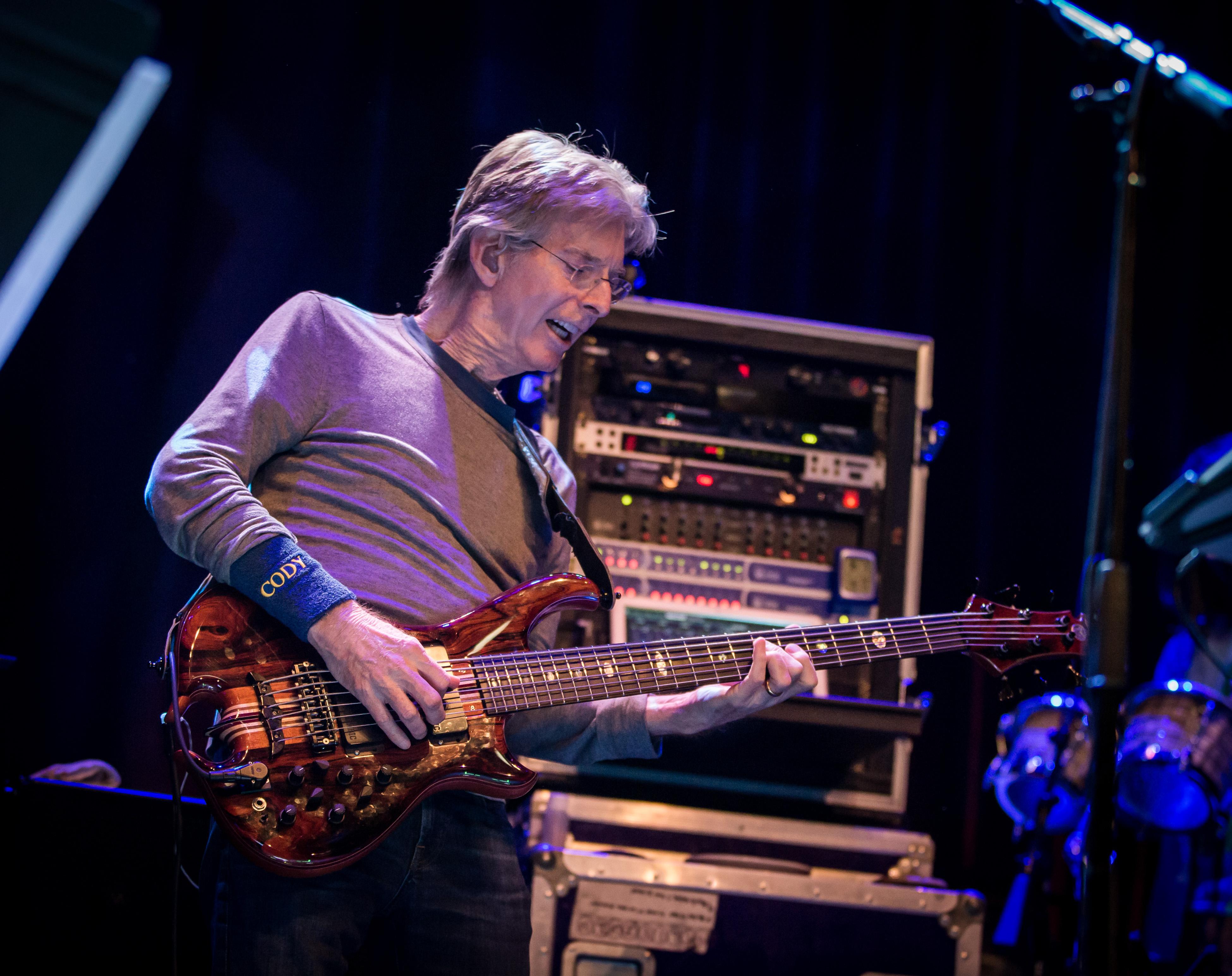 Grateful Dead's Phil Lesh Donates $10,000 to Christine Blasey Ford