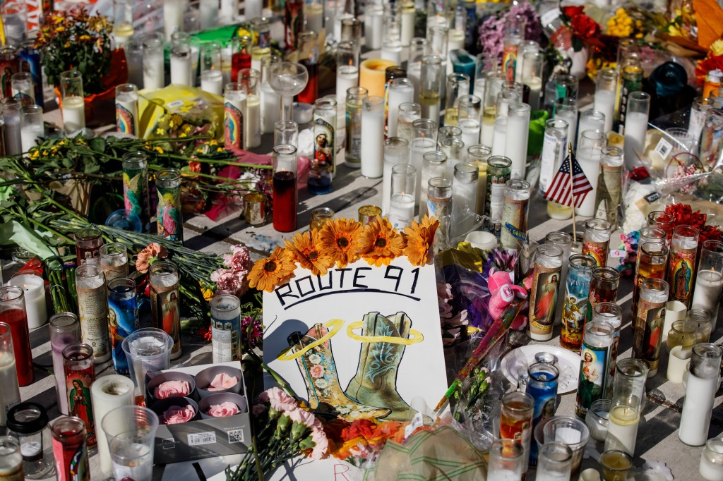 LAS VEGAS, NEVADA - OCTOBER 3: A small makeshift memorial for the victims of the mass shootings has popped up on the corner of Sahara Ave and Las Vegas Blvd, in Las Vegas, Nevada, on Oct. 3, 2017. (Marcus Yam / Los Angeles Times via Getty Images)
