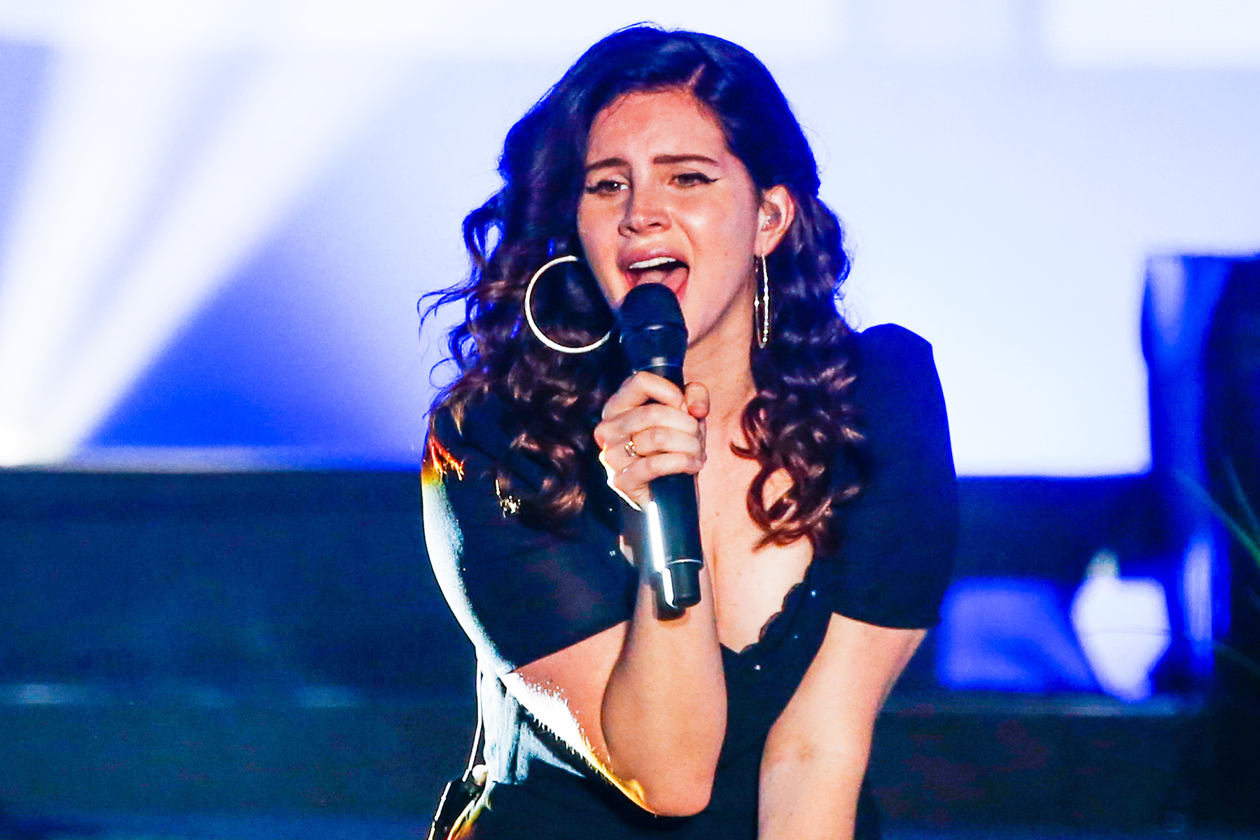 Song You Need to Know: Lana Del Rey, 'Mariners Apartment Complex'