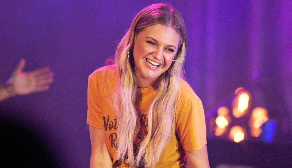 """Kelsea Ballerini performed Old Dominion's """"Written in the Sand"""" with the band."""