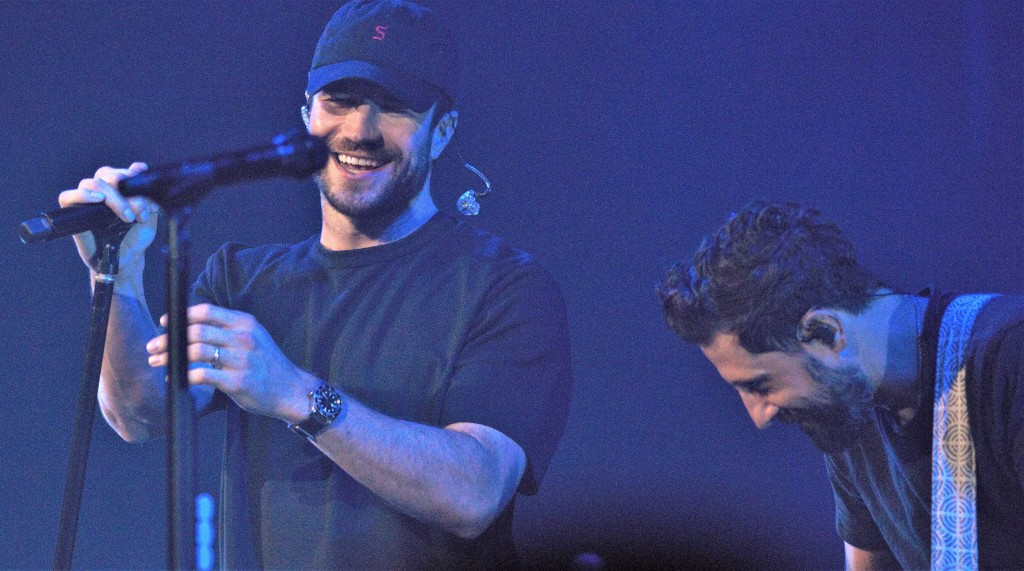 Sam Hunt was the evening's final special guest.