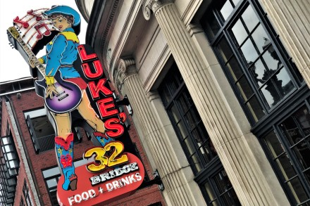 How Luke Bryan, Jason Aldean Bars Are Remaking Nashville's