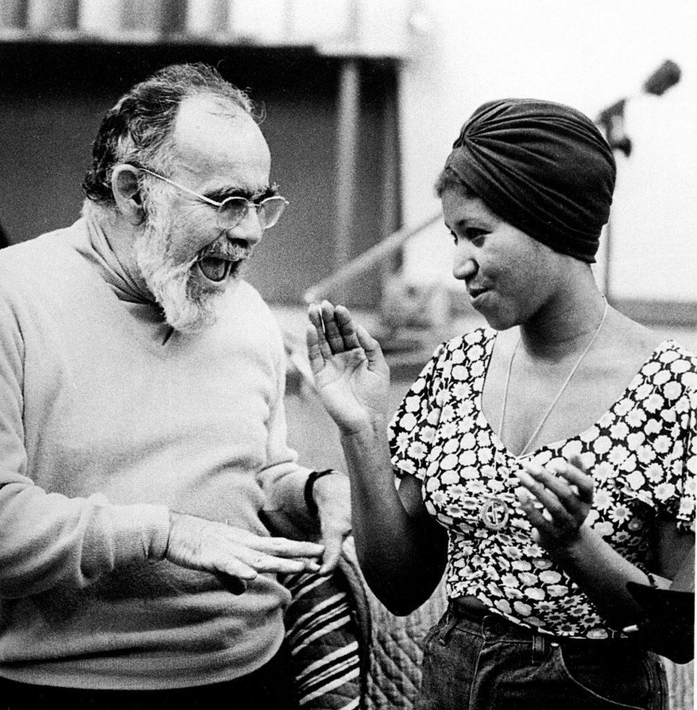 UNSPECIFIED - JANUARY 01: (AUSTRALIA OUT) Photo of Jerry WEXLER and Aretha FRANKLIN; Jerry Wexler and Aretha Franklin in a recording studio (Photo by GAB Archive/Redferns)