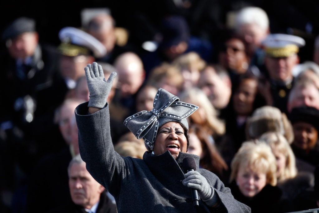 "FILE-- Aretha Franklin singing ""America the Beautiful"" at President Barack Obama's inauguration in Washington, Jan. 20, 2009. Franklin, universally acclaimed as the ""Queen of Soul"" and one of America's greatest singers in any style, died on Aug. 16, 2018, at her home in Detroit, her representative, Gwendolyn Quinn, said. She was 76. (Damon Winter/The New York Times)"