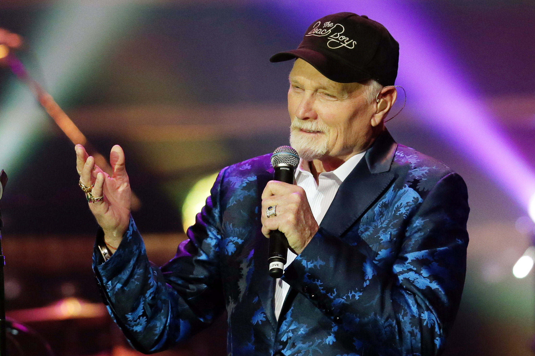 beach boys mike love preps christmas album reason for the season rolling stone - Beach Boys Christmas Song
