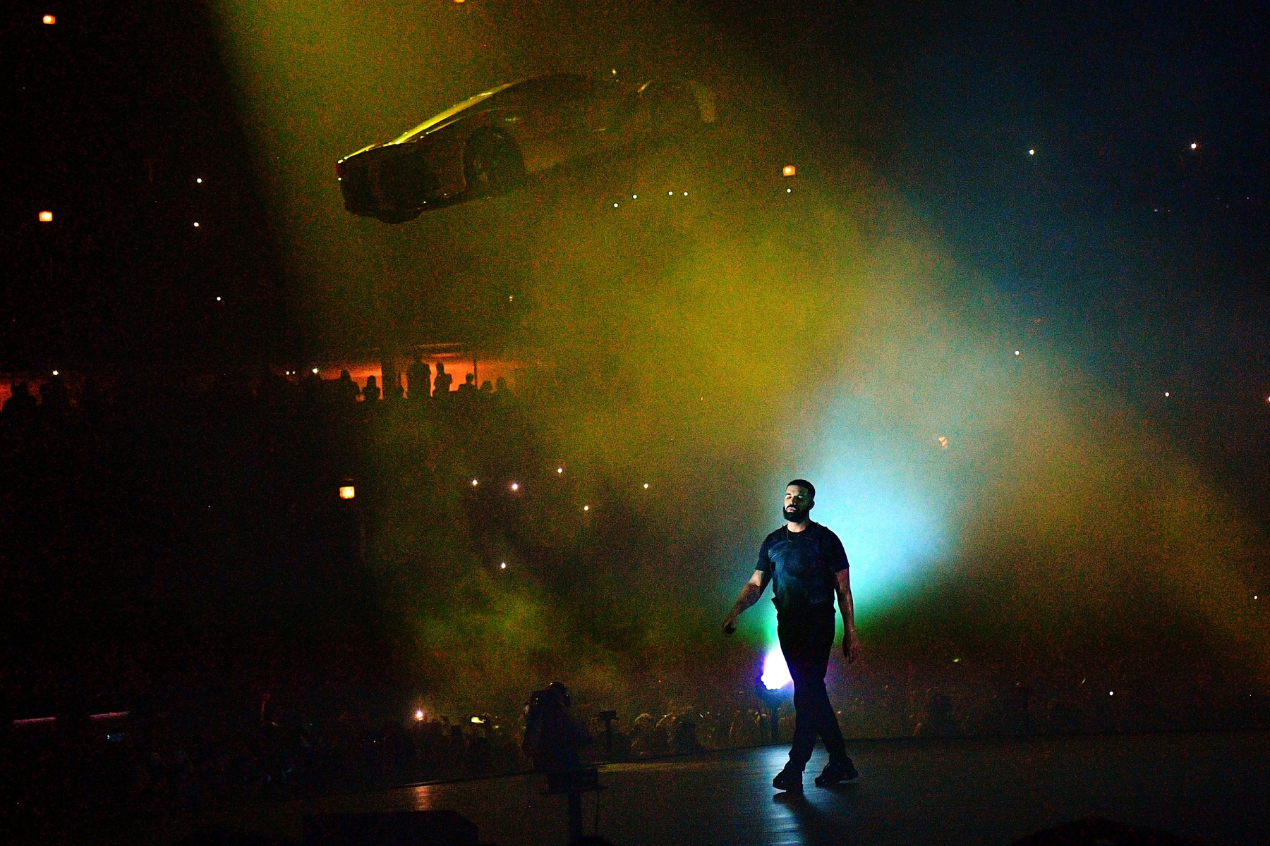 CHICAGO, IL - AUGUST 17: Drake performs in Concert at Aubrey & The Three Amigos Tour - Chicago, Illinois at United Center on August 17, 2018 in Chicago, Illinois.(Photo by Prince Williams/Wireimage)
