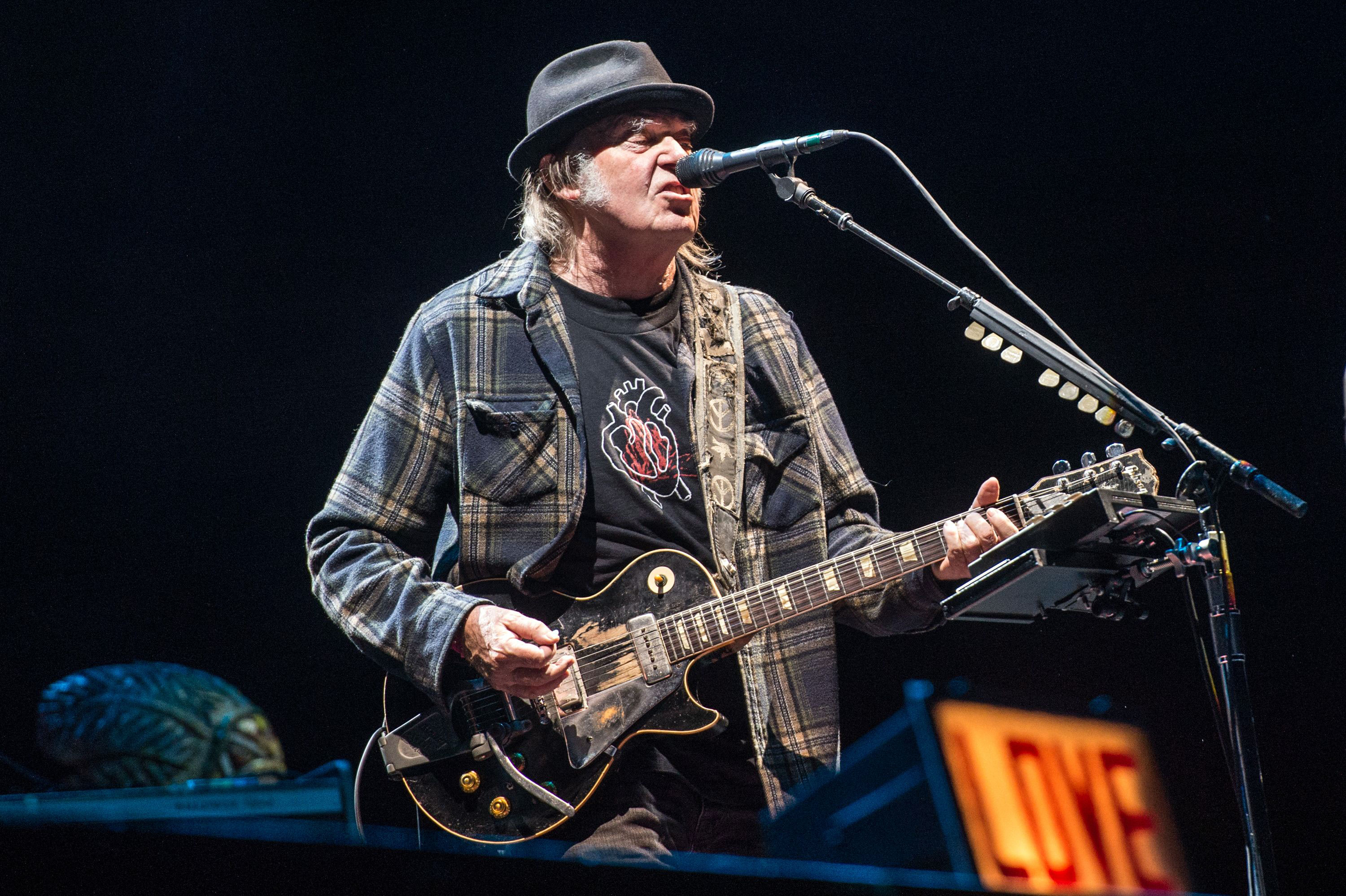 watch neil young perform new love song eternity rolling stone. Black Bedroom Furniture Sets. Home Design Ideas