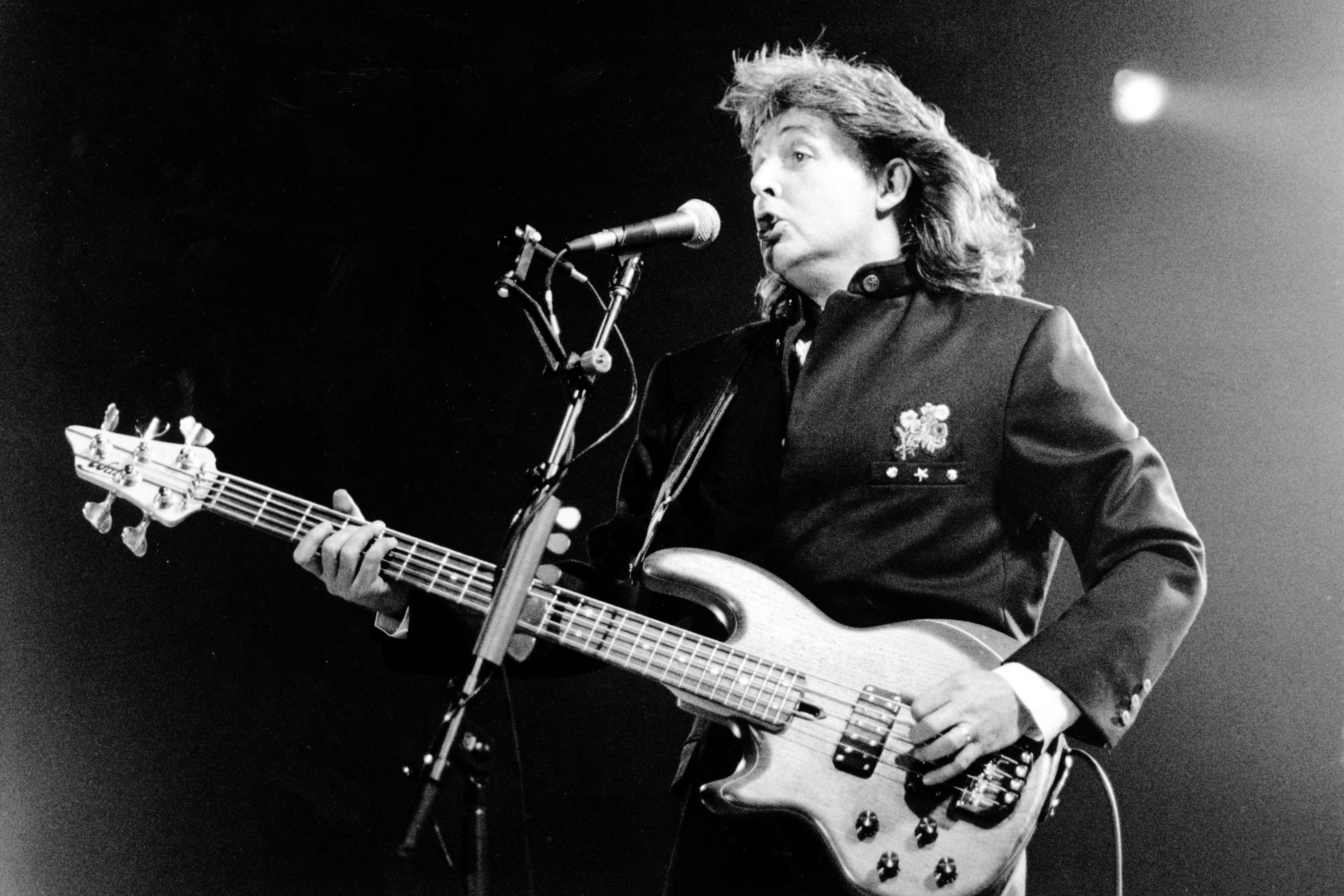 Watch Paul McCartney Play A Beatles Medley In 1989 Rolling Stone