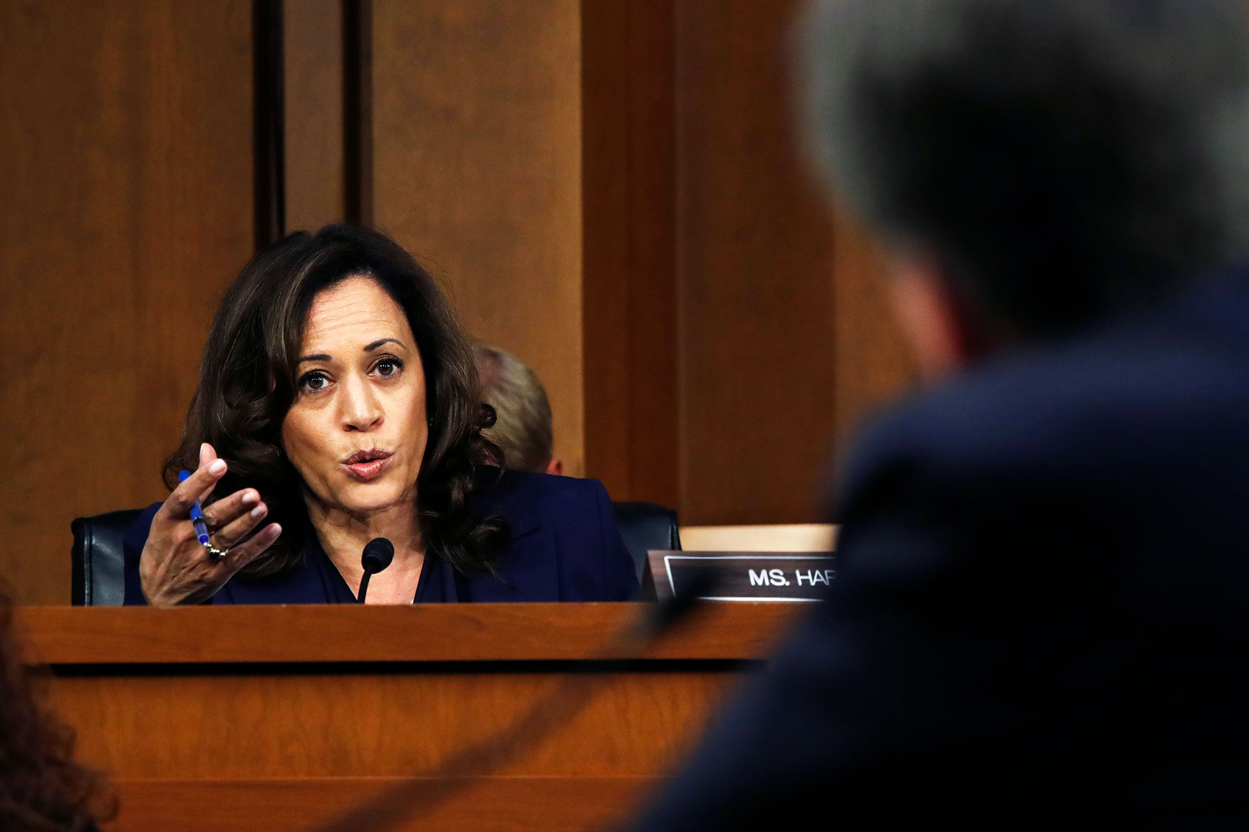 Kamala Harris and Cory Booker Have Upended the Kavanaugh Hearings