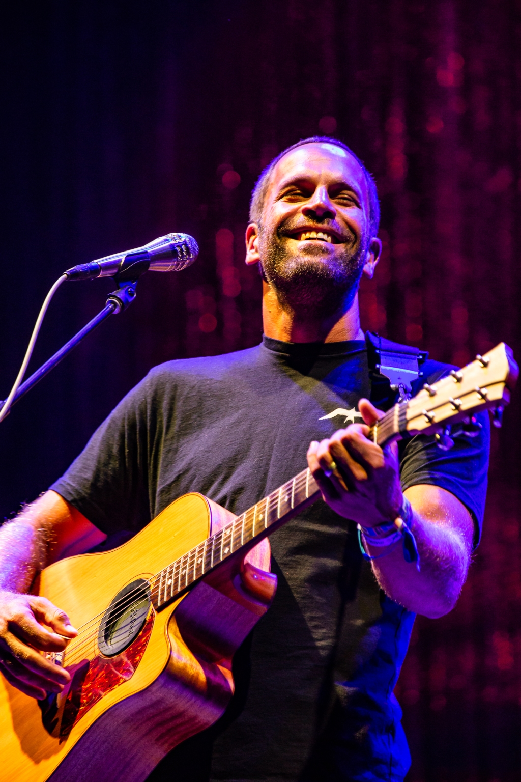 Jack Johnson closes out the festival on the Surf Stage.