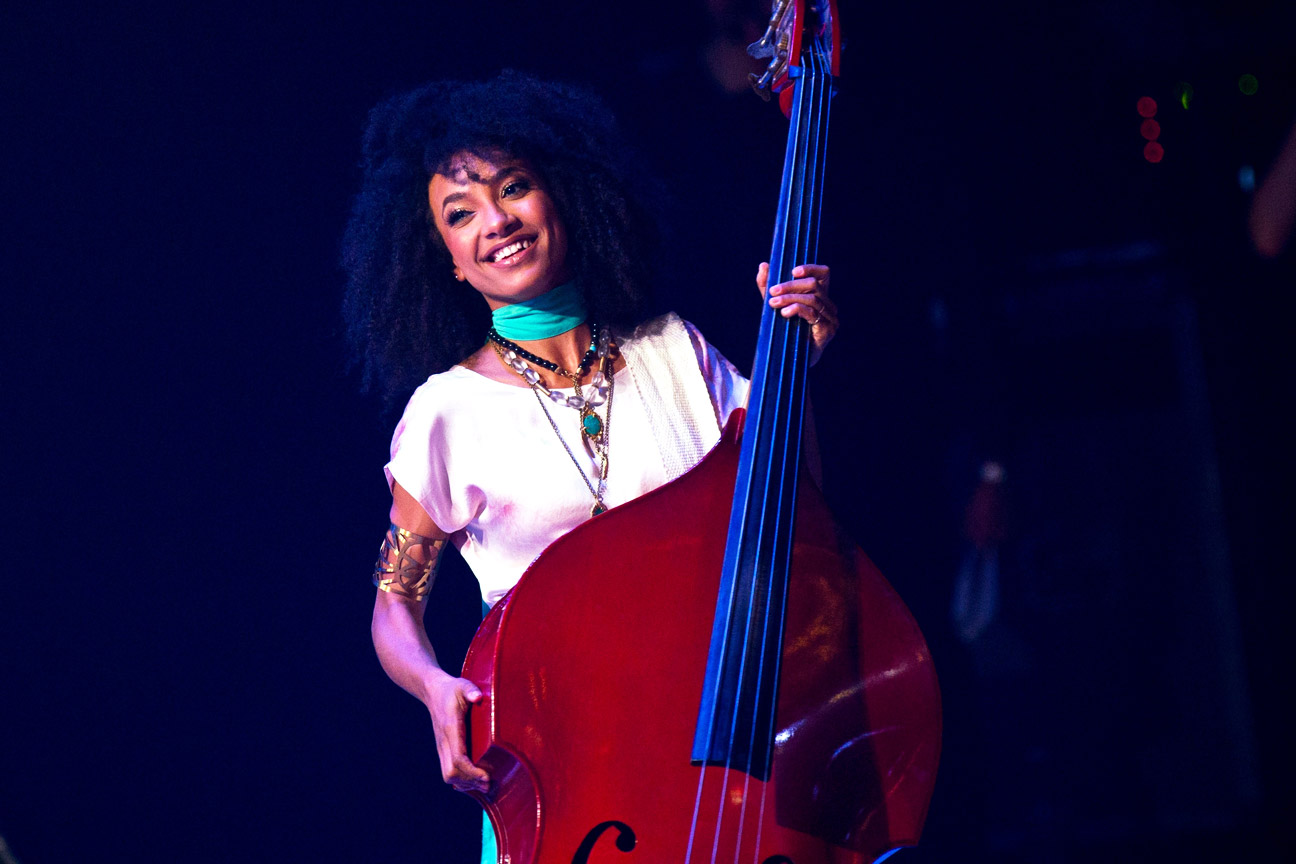 esperanza spalding john legend recruited esperanza spalding for a jazzy rendition of have yourself a merry little christmas - Have Yourself A Merry Little Christmas Youtube