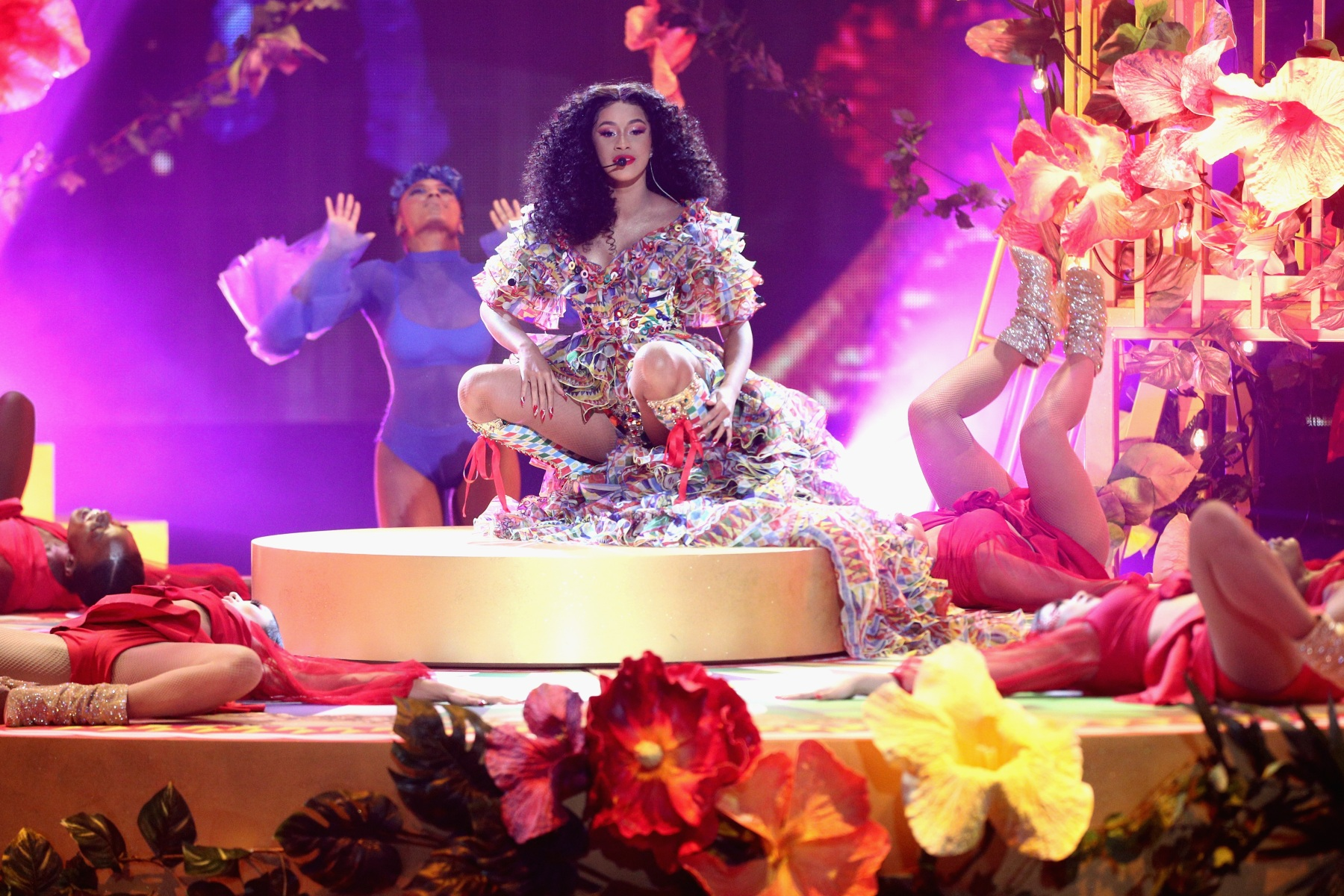 LOS ANGELES, CA - OCTOBER 09:  Cardi B performs onstage during the 2018 American Music Awards at Microsoft Theater on October 9, 2018 in Los Angeles, California.  (Photo by Frederick M. Brown/Getty Images)