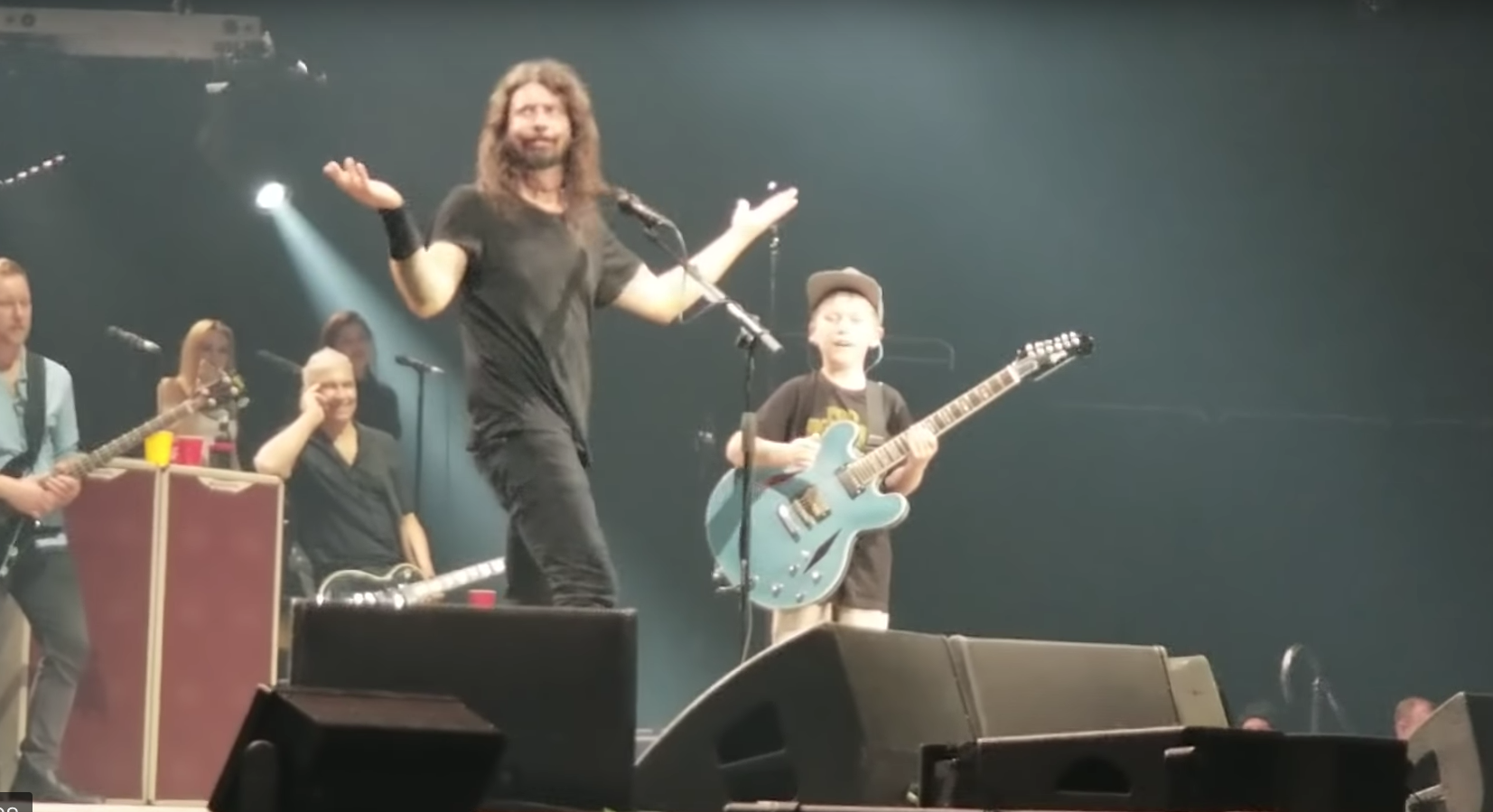 The Foo Fighters invite 10-year-old guitarist on-stage at Kansas City concert