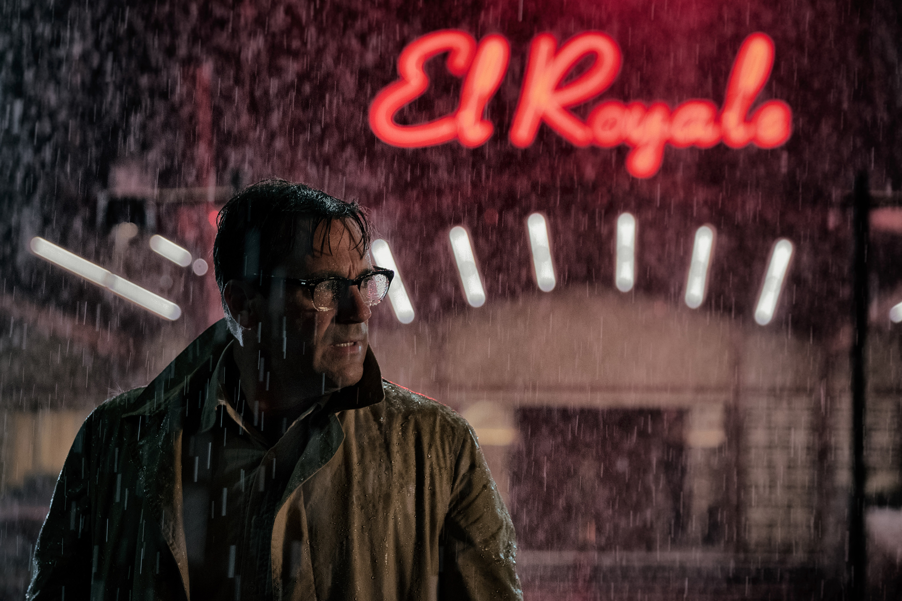 'Bad Times at the El Royale' Review: Retro Star-Studded Goof's Quite the Gamble