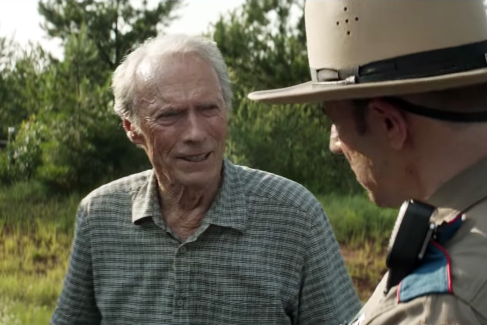 watch clint eastwood dodge dea in tense trailer for the mule