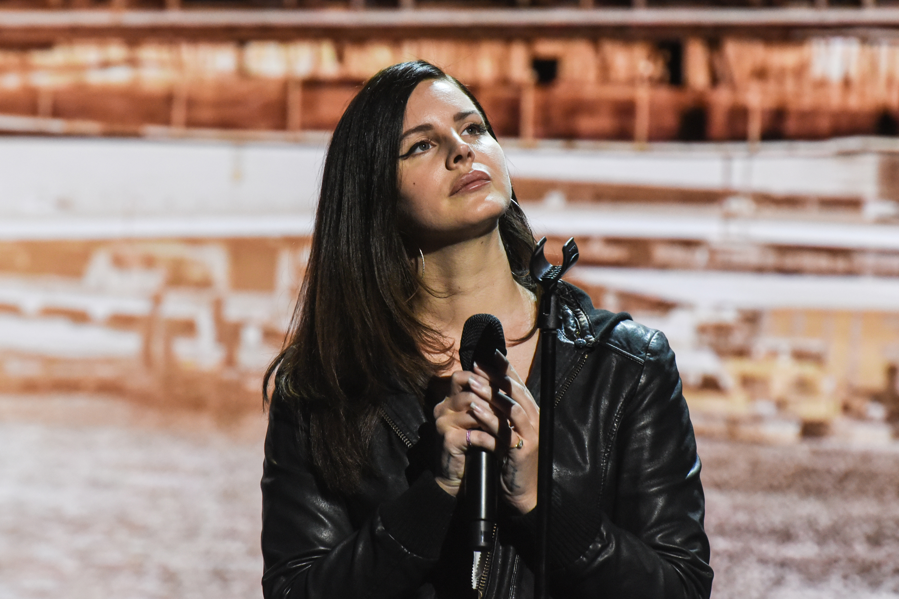 Watch Lana Del Rey Premiere Moving New Track 'How to ...