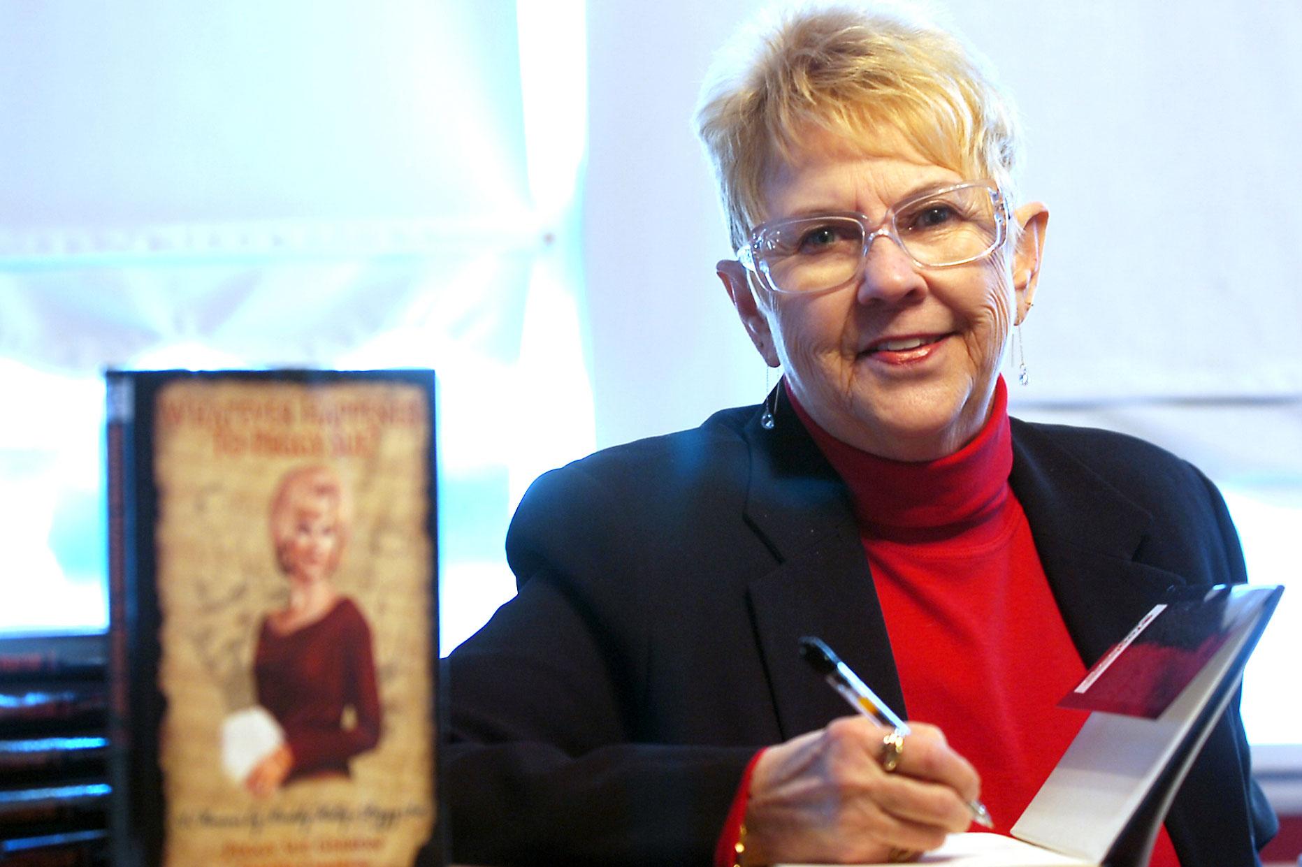 d1182c5f522 Peggy Sue Gerron unveils her new book