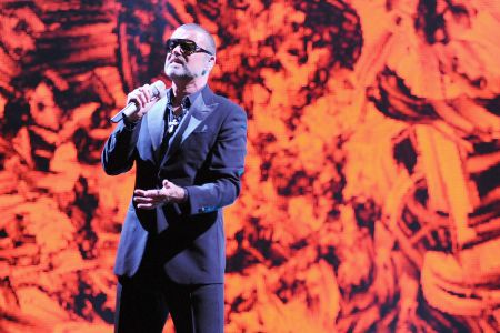 Last Christmas Film.Unreleased George Michael Music To Feature In Last