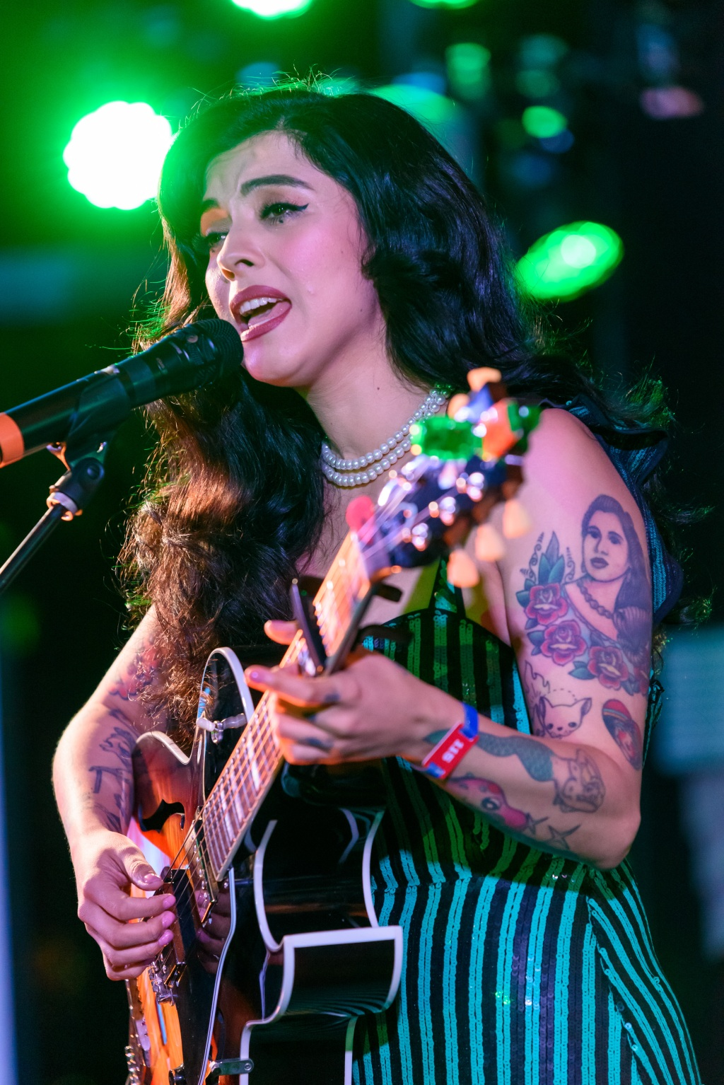 Latin Grammy Award winner and 2018 nominee Mon Laferte performed acoustic renditions of songs from her breathtaking new album, 'Norma.'