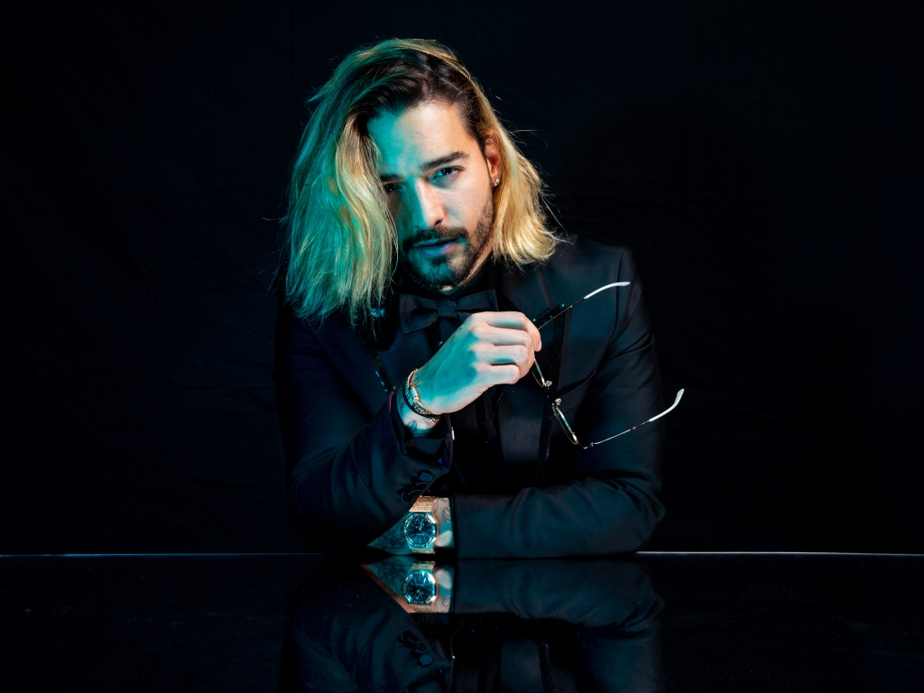 Maluma  poses for a portrait backstage at the 19th annual Latin Grammy Awards at the MGM Garden Arena on November 15, 2018 in Las Vegas, NV.