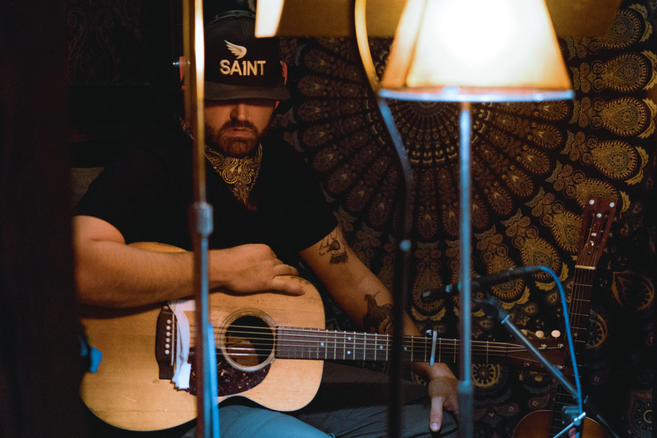 Randy Houser Scales Down to Great Effect on 'Magnolia'