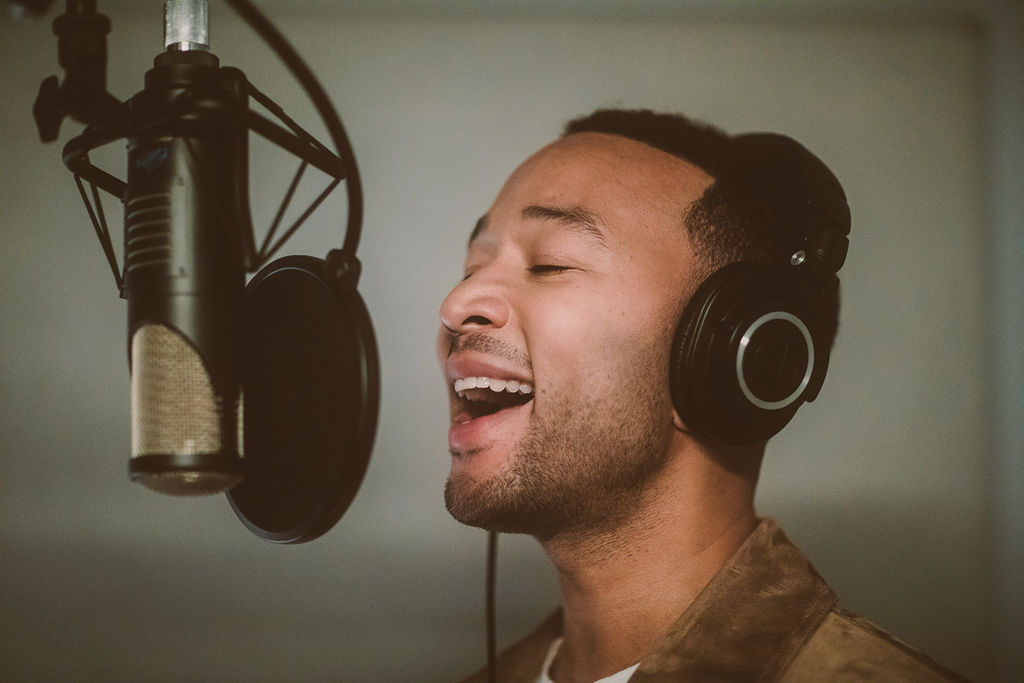 Hear John Legend, Joan Jett, Tony Bennett\'s New Christmas Songs ...