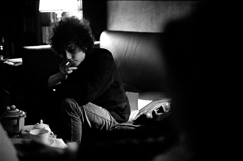 "Bob Dylan grew so comfortable with Schatzberg that he allowed him to capture intimate moments like this. ""For a long time I used to think I was the best known unknown photographer,"" he says. ""Everyone knows my pictures, but even my best friend didn't know that I did the Blonde on Blonde cover."""