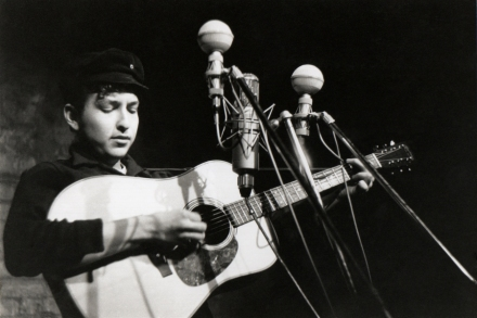 Wisconsin Singer Finishes 1961 Bob Dylan Song With Dylan